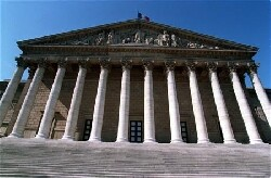 La bourse de Paris ne profite pas de la vague LREM