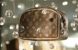La baisse de l'euro profite aux marques de luxe françaises