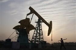 Le pétrole s'ancre au-dessus de 60 dollars