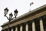 Elections françaises, un second tour avec Mélenchon ou Le Pen propice à plus d'investissement dans les actions en Europe
