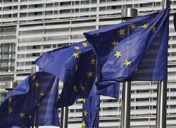Demos : nouveaux contrats à Bruxelles, le titre flambe