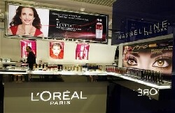 L'Oréal confiant pour 2012 malgré un ralentissement en Europe