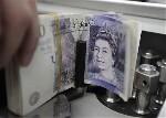 Londres marque un point décisif sur le terrain des devises pour se rapprocher de la Chine